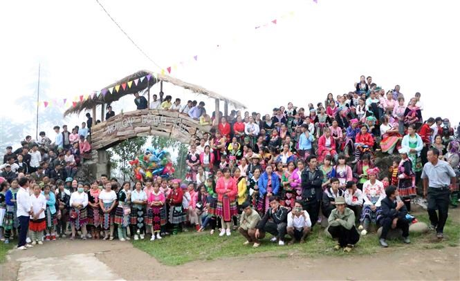 Mong festival in Lai Chau attracts thousands of visitors hinh anh 3