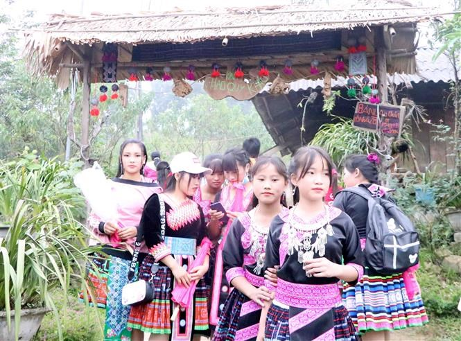 Mong festival in Lai Chau attracts thousands of visitors hinh anh 6