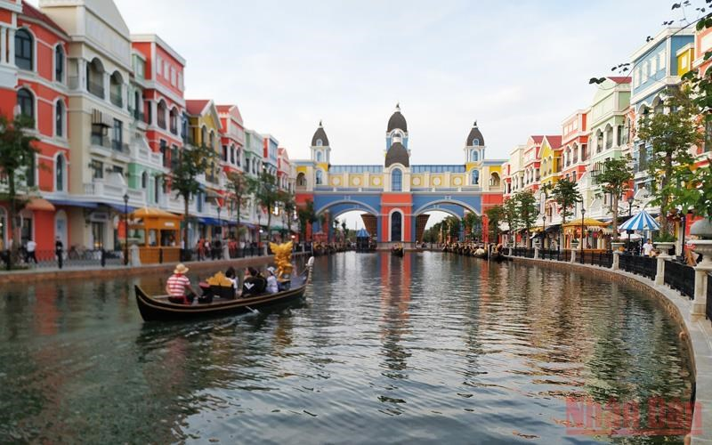 Vietnam plans to resume domestic tourism activities in October hinh anh 2