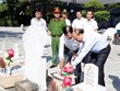 PM offers incense to commemorate fallen soldiers in Quang Tri