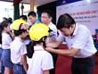 Over 2,000 helmets presented to Thai Nguyen's pupils