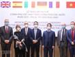 Vietnam presents antibacterial masks to European countries