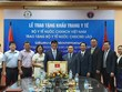 Ministry of Health presents 200,000 face masks to Lao counterpart