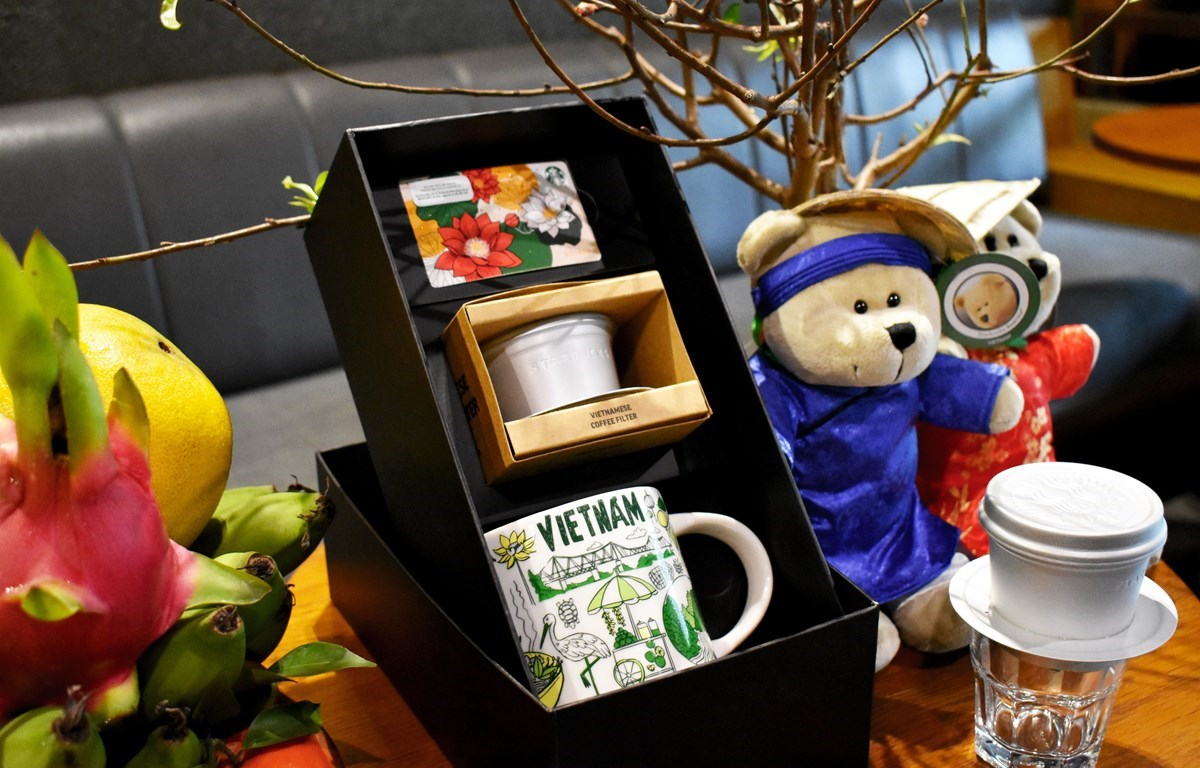 Starbucks Vietnam introduces a range of exclusive new designs celebrating Vietnamese culture, including a Vietnam Coffee Filter, a Vietnam Been There Collection Mug, and a Vietnam Starbucks Card.