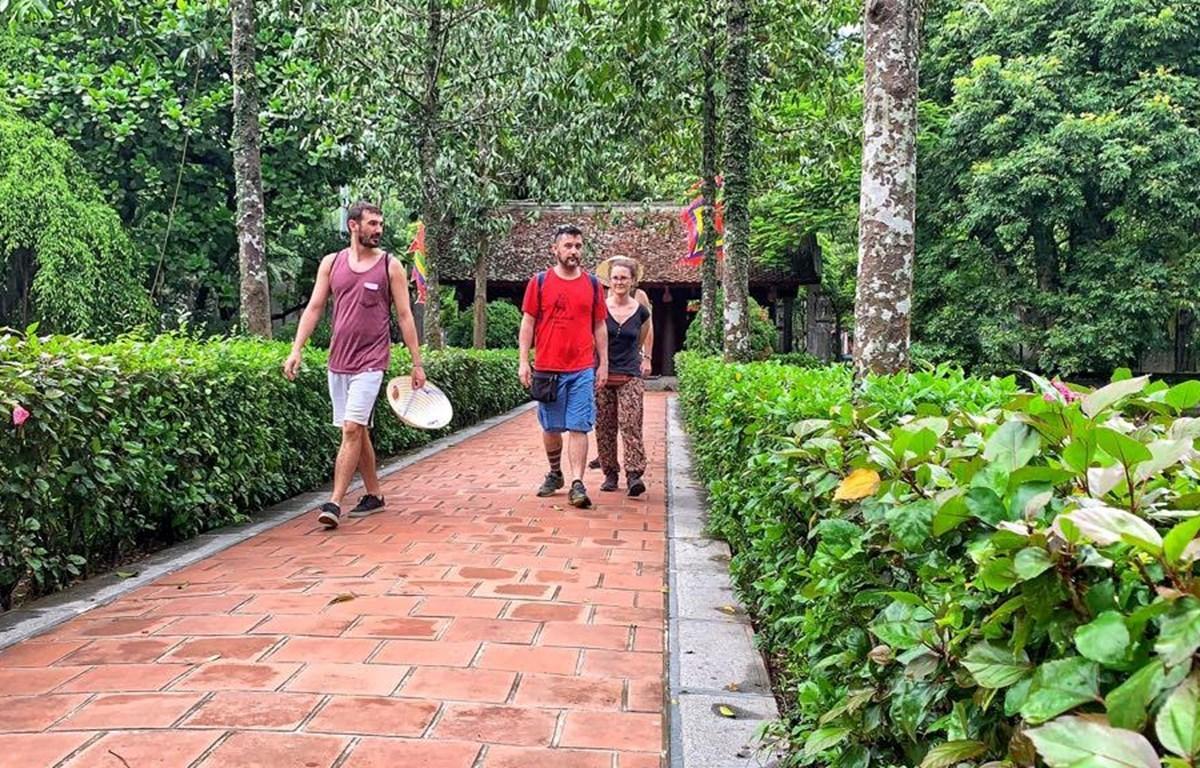 Tourists visit Ninh Binh before COVID-19 (Photo: VietnamPlus)