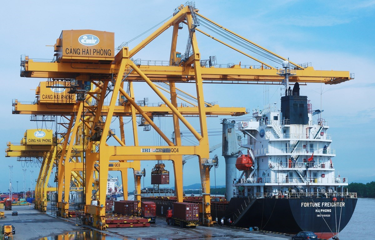 Import-export activities continue improving in February despite COVID-19 challenges (Photo: VNA)