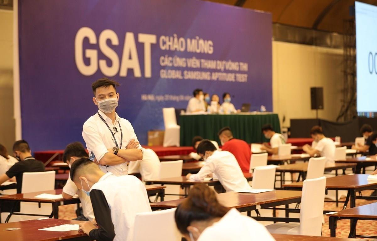 Samsung organises exams to recruit personnel (Photo: VietnamPlus)