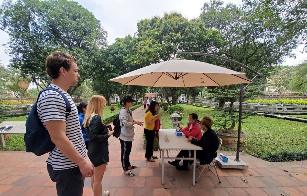 Tourists visit Temple of Literature in Hanoi prior to COVID-19 outbreak (Photo: VietnamPlus)