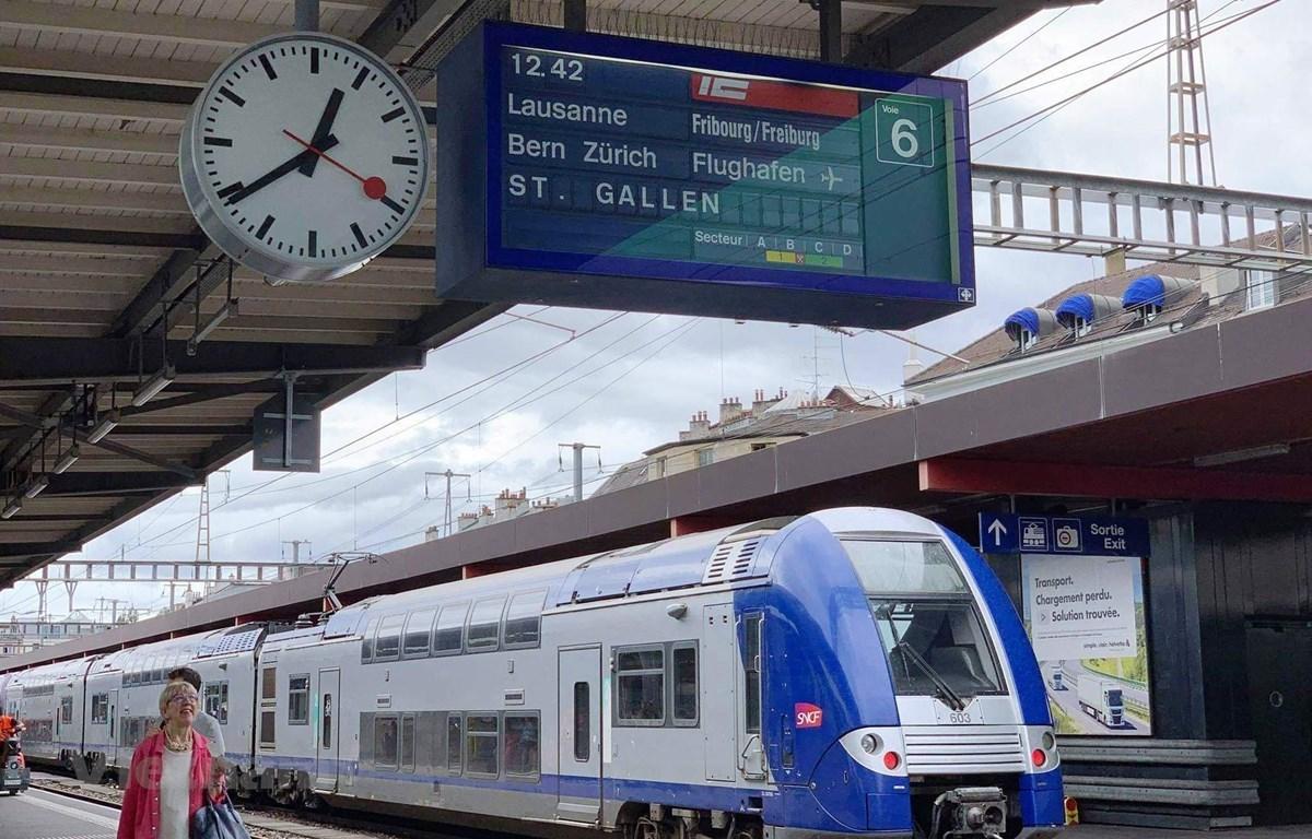 An express train in a European country (Photo: VietnamPlus)