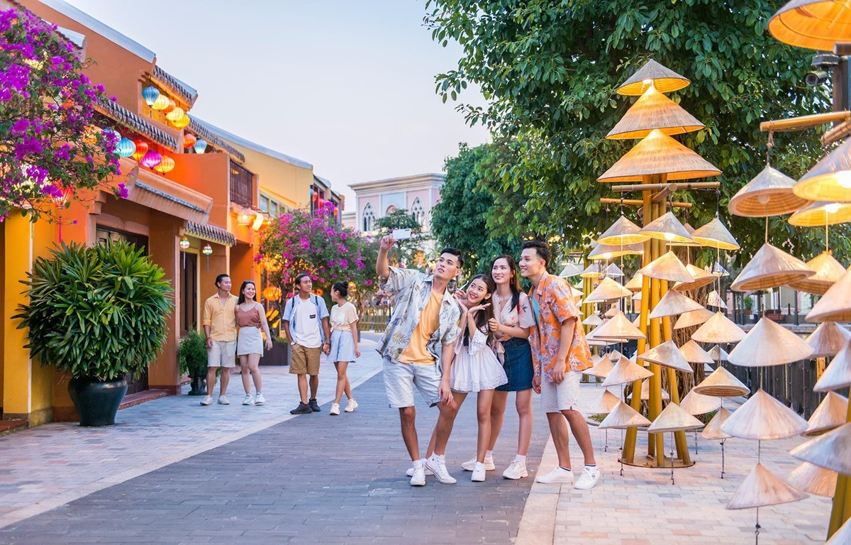 Vietnamese travel firms are expecting for a brighter future. (Photo: VietnamPlus)