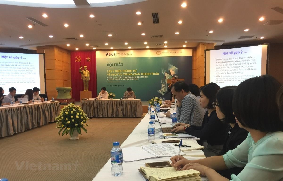 The introduction of regulations on transaction limit for intermediary payment service and e-wallet are introduced to reduce risks (Photo: VietnamPlus)