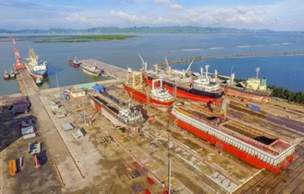Vietnam moves to modernise shipping fleet