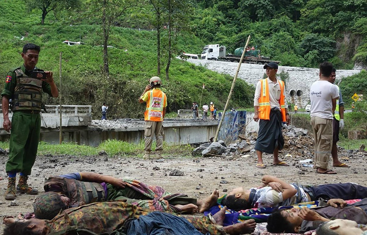 Myanmar: Militants launch attacks on military
