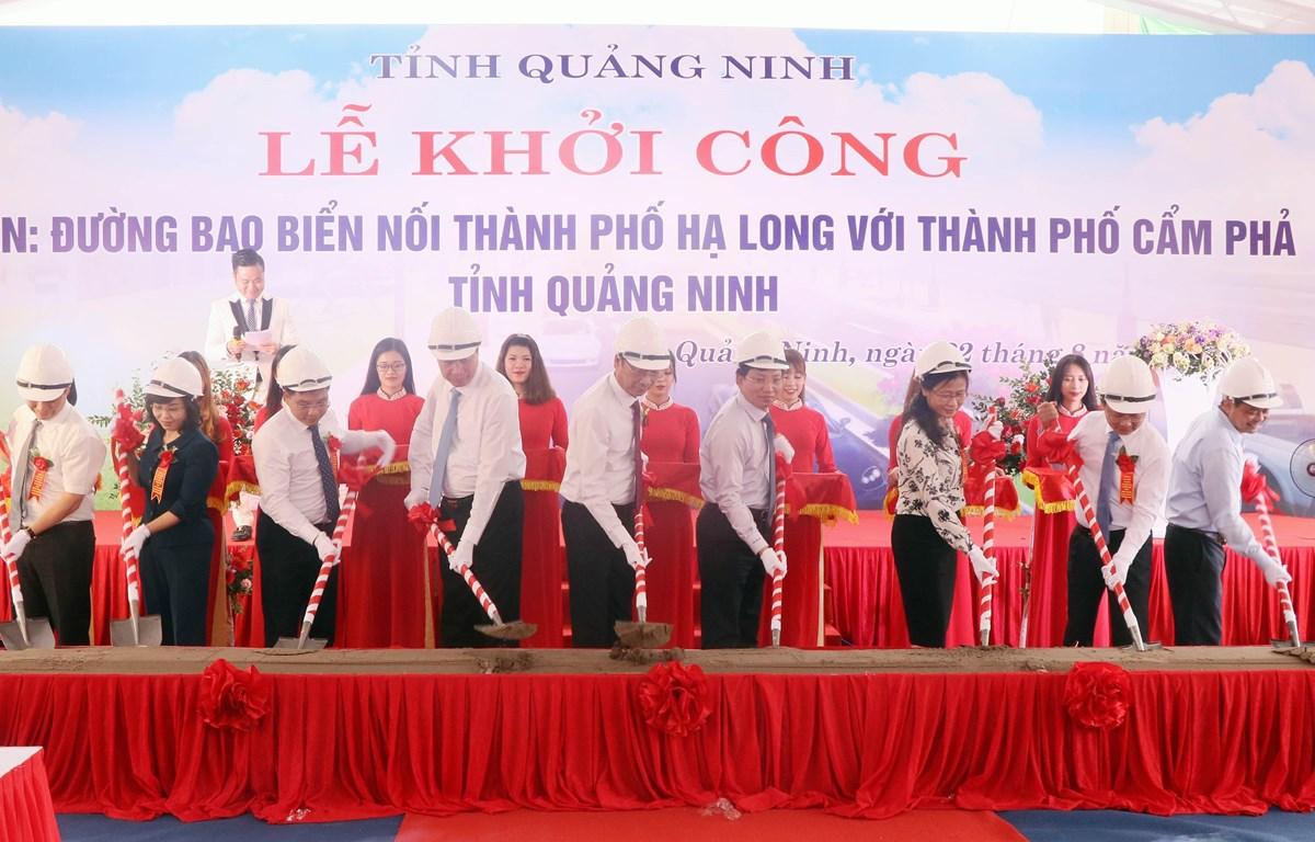 Quang Ninh begins construction of Ha Long-Cam Pha coastal road
