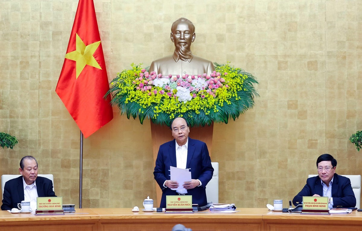 Prime Minister Nguyen Xuan Phuc speaks at the meeting (Source: VNA)