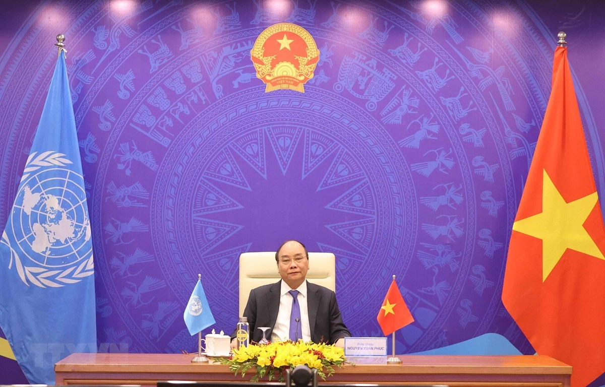 Prime Minister Nguyen Xuan Phuc addresses the UNSC debate from Hanoi (Photo: VNA)
