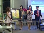Vietnamese in Singapore donate to fund for needy children