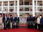 Vietnam hands over newly-built high school to Lao province