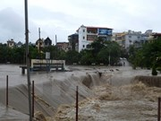 Lao PM extends sympathy to Vietnam over flooding