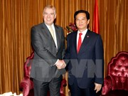 Prime Minister greets Duke of York in Singapore
