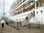 Chan May port receives large luxury cruise liner