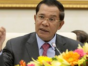 Cambodian PM warns legal action against government's map critics