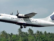 Indonesian airplane crashes into mountain