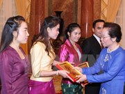 Vice President Doan meets Lao students