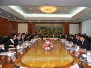 Vietnam, China strengthen land infrastructure cooperation