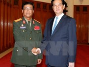 Prime Minister receives senior Lao army official