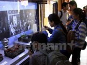 Hue visitors get glimpse of royalty