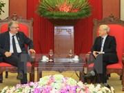 PCF National Secretary visits Vietnam
