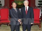 Vietnamese leaders congratulate Cambodia on National Day