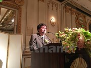 Vietnamese writer receives ASEAN literature award