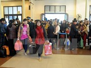 Tet gifts, tickets presented to 1,600 female workers