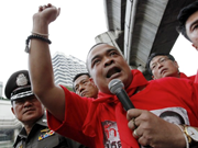 Thailand: Redshirt leader detained by soldiers