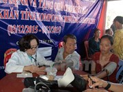 OVs in Cambodia offered gifts on Chol Chnam Thmay festival