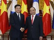 Vietnamese, Lao PMs hold talks