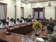 Foreign military attachés tour Vietnam's naval units