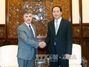 President Tran Dai Quang receives leaving ambassadors