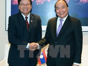 Vietnamese, Lao PMs declare to ratchet up ties