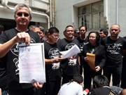 Thailand: 19 red shirt leaders accused of violating ban on gatherings