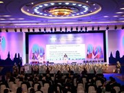 ASEAN economic ministers meet in Vientiane