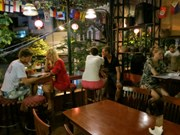 Hanoi pilots longer opening hours for restaurants, bars