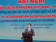 Vietnamese, French localities beef up cooperation
