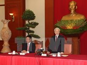 Party leader meets veteran, incumbent diplomats
