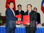 Vietnam, Laos ink MoU on transport cooperation