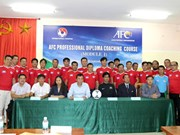 Professional diploma coaching course opens in Hanoi