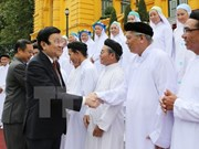 President greets Cao Dai followers on founding anniversary