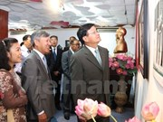 Photo exhibition in Laos highlights VN's 70-year diplomacy